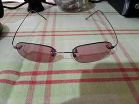 Good quality light weight sunglass