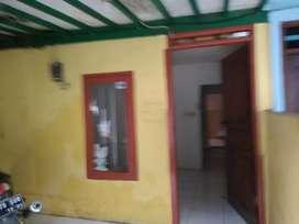 Rumah petak masuk motor di h.goden Pd Pinang Jaksel