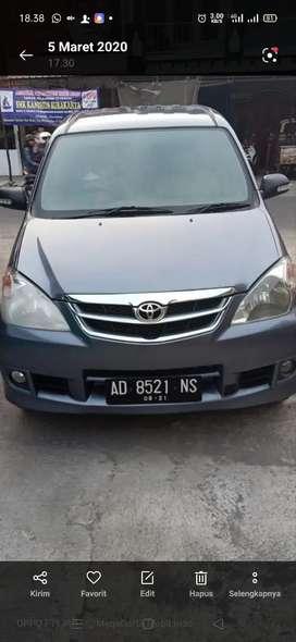 Toyota avanza G AT 2010