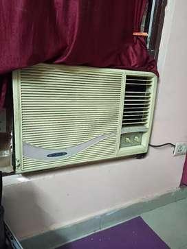 Air conditioner voltas 1.5 ton good working with stablizee
