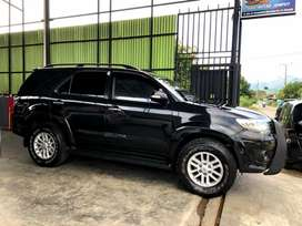 TOYOTA FORTUNER 2.5 G M/T