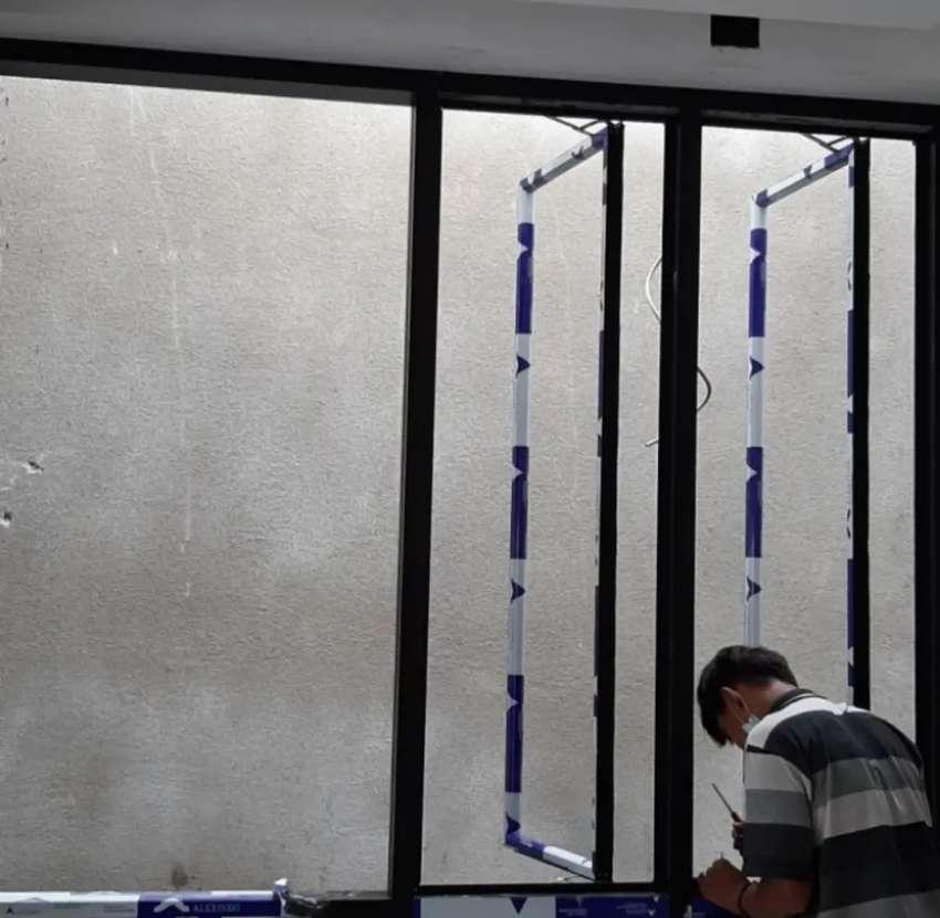 Kami bengkel las baroka nerimah pemasangan kusen aluminium @4536