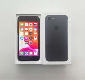 iPhone 7^32GB Storage^Black With Box And Charger^Excellent Condition