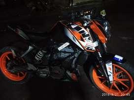 Well condition stock bike original engine koi kaam ni Extra
