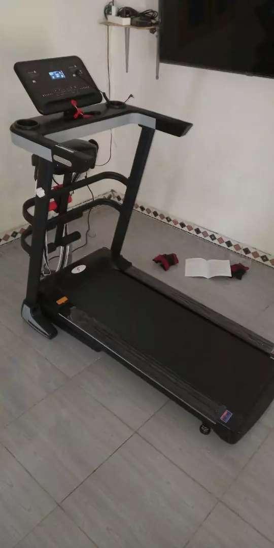 The best new Treadmill elektrik 12 speed new Genova Sport 0