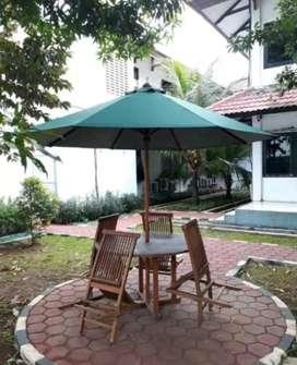 Meja payung halaman,cafe,resto,villa,pantai,kolam renang,tempat wisata