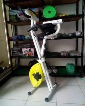 Sepeda statis XBike ( awet tanpa perawatan )