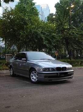 BMW E39 528i 1997 Automatic Abu-Abu