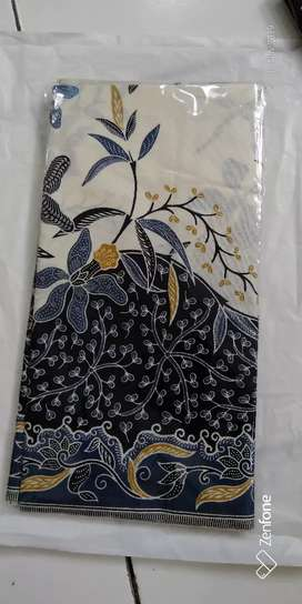Kain Batik Hitam Kembang Unggul Jaya