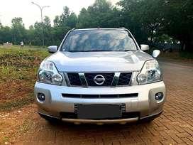 Nissan Xtrail 2,5 St Matic tahun 2010 Silver Metalik kondisi baik