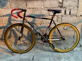 SEPEDA FIXIE TInggal Gowes