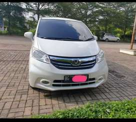 Honda Freed macan