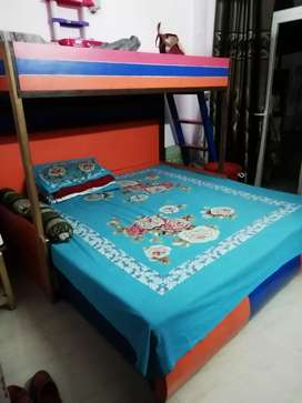 Bunk Bed with storage in 1 compartment