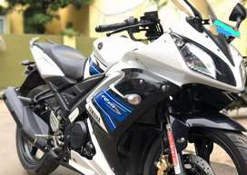 Yamaha R15s, White Blue