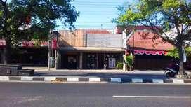 Ruko Luas Pinggir Jalan Raya Solo Purwomartani
