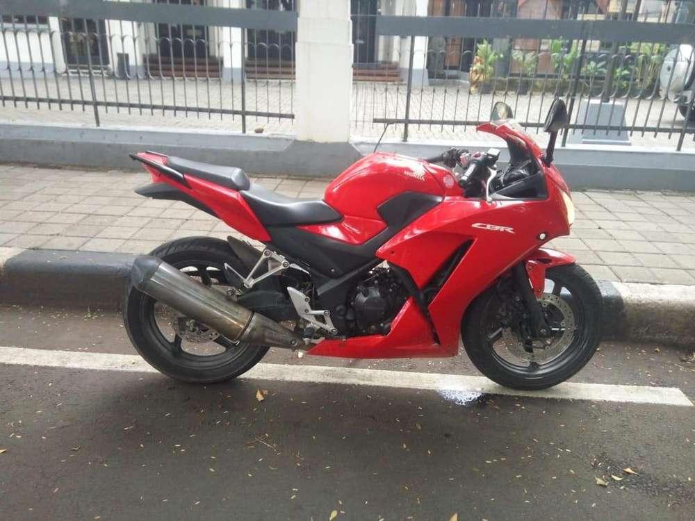 cbr 250r 2014 merah