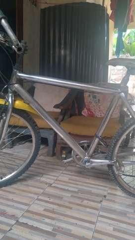 Jual sepeda vixie/gunung ban 26 batangn crome bulm dicat hrga nett ya
