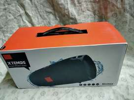 JBL xtreme portable wireless speaker new condition box charging pin