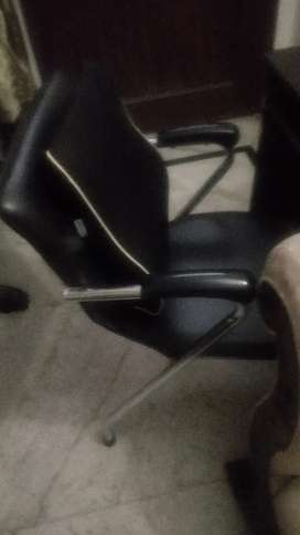Office chair amazing quality... Very reasonable priced