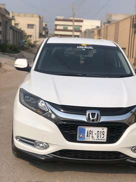 Honda vezel hybrid X package b2b genuine