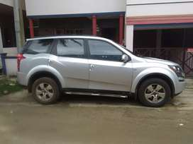 Xuv 500  W8, with 6 air bags, abs, top end model