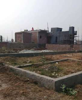 200 Gaj Plots Ready to Move in on Road in Delhi Faridabad Noida Border