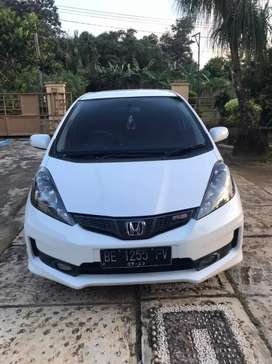Dijual Honda Jazz RS 2013 matic