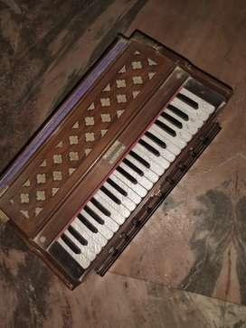 Harmonium condition like new