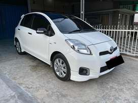 KM 50.000 Toyota Yaris E 2012 / 2013 AT auto matic up trd s limited
