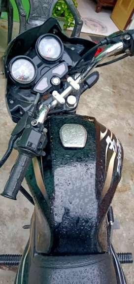Bajaj discover 100cc excellent condition no scratches