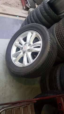 I want to sell Cruz New model alloy wheels.
