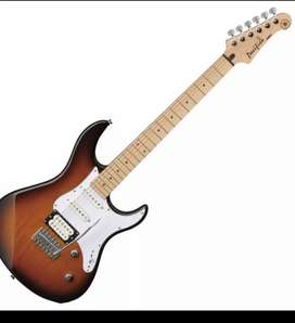 Yamaha Pacifica a rare Model ..112vm , Only Rs 30000 with bag
