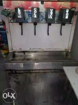 Soda making machine