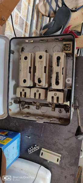 Standard 32 amp Main Switch 3 Phase