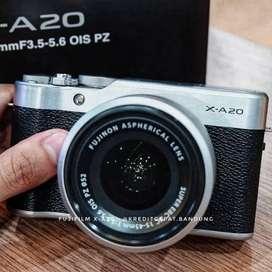Kredit Kamera Mirroles FujiFilm X-A20 Dp 200K
