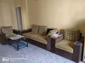 2bhk flat for male
