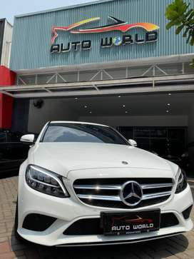 Mercedes Benz C200 2019 Like New
