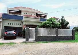 Dijual Rumah Mewah Lokasi Strategis Siap Huni