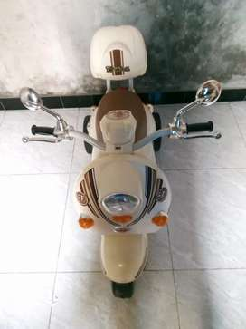 Motor Mainan Anak Dengan Aki SCOPPY PM338
