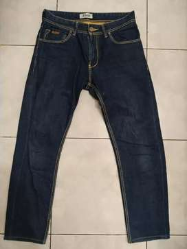 Celana Jeans Lois Size 31