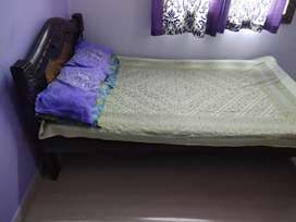 4/6 cot and bed