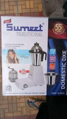 Summet mixer 750 watt 3 year warrnty on moter
