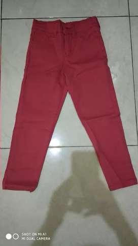 Celana anak, lebar pinggang 54 cm, panjang 63 cm