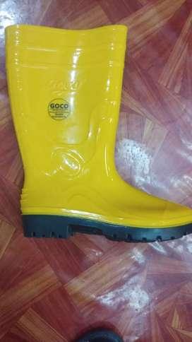 Sepatu boot GOCO