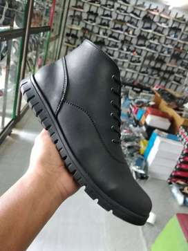Sepatu cassuall HOM paries002(BARANG SAMPAI BARU BAYAR COD)