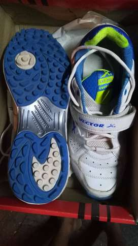 Victor X Cricket Shoes