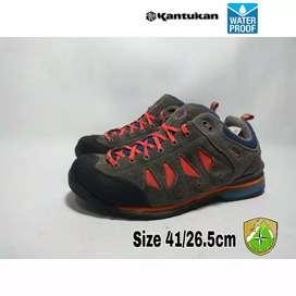 Sepatu second Kantukan