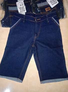 Celana jeans pendek cowok