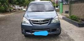 Mobil Toyota Avanza 2011 G