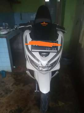 Honda pcx th 2020 putih